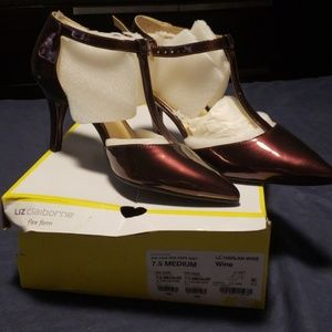 Liz Claiborne flex form shoes